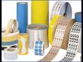 Oboustranné lepicí pásky, praktický pomocník s širokým využitím