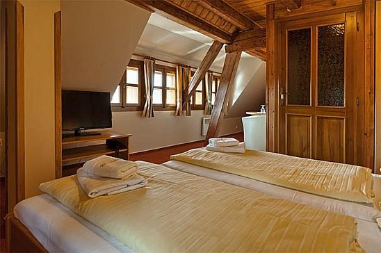 Hotel Klostermannova chata, SOUDEK s.r.o., ubytování v malebné obci Modrava
