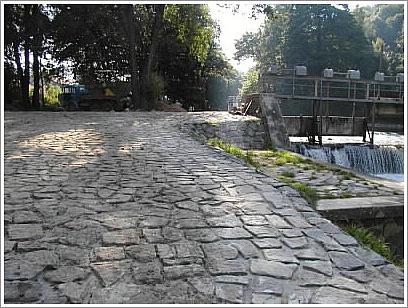 Stavba silnice, chodníky, odstavné plochy, parkoviště Vysoké Mýto