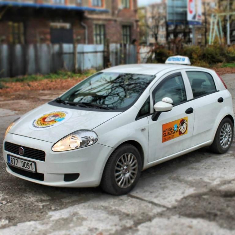 Autoškola s individuálním přístupem - získání řidičského průkazu skupiny B, řidičáku na auto