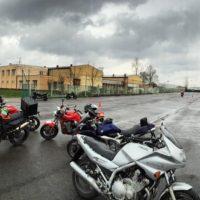 Kvalitní autoškola a motoškola na Hlučínsku - řidičský průkaz skupiny A i B