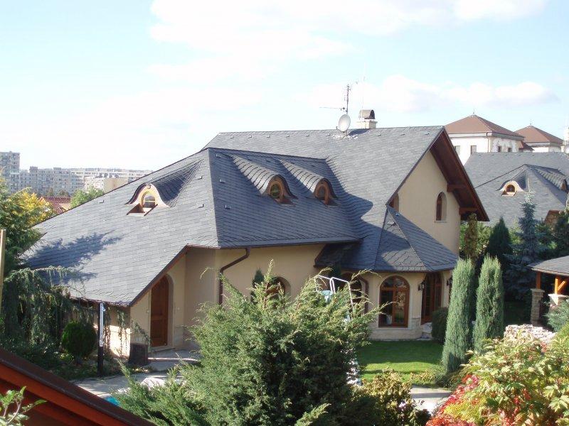Břidlicová střecha pokládka Praha