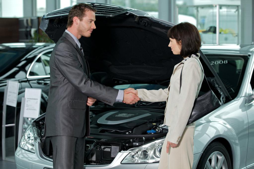 Servisní partner Arval – operativní leasing se servisem a údržbou automobilu včetně výměn pneu