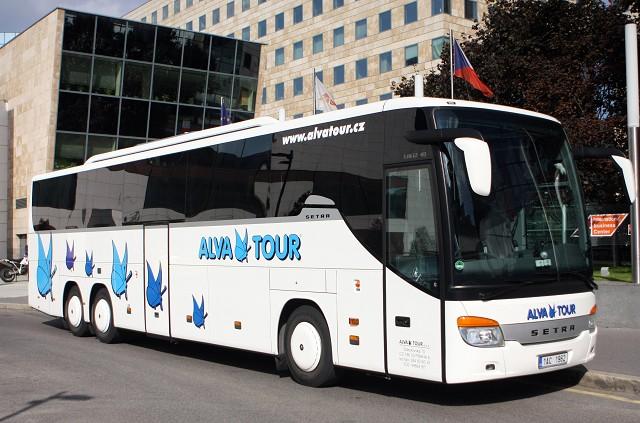 Autobusové zájezdy pro školy, firmy a kluby Praha