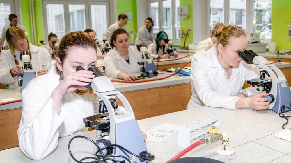 Studium na VOŠP Kroměříž - perspektivní obor, jistá práce v potravinářství