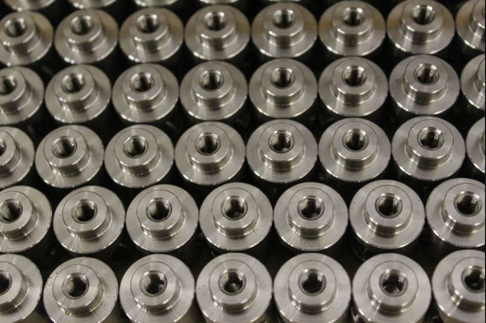 Obrábění kovových i nekovových materiálů - kvalitní výroba na CNC strojích