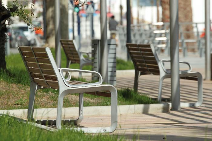 Parková lavička Portiqoa - kvalitní lavičky s lamelovým roštem