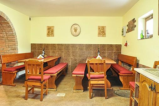 Vinařství, degustace vína s ubytováním, kvalitní víno z jižní Moravy, vinný sklípek
