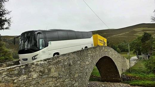Pohodlné a bezpečné autobusy, minibusy na zájezdy i zahraniční dovolenou