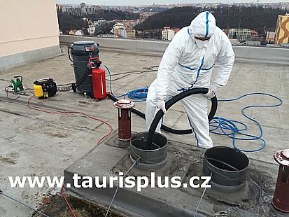 TAURIS plus, s.r.o., čištění potrubí VZT v panelových domech