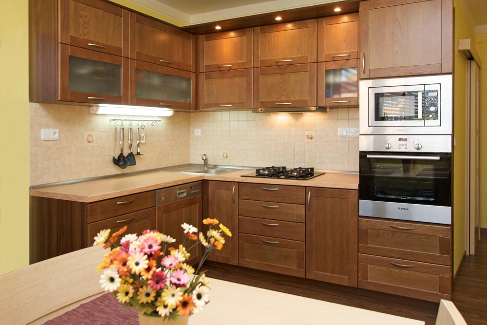 Zakázková výroba nábytku a návrhy, vizualizace interiéru