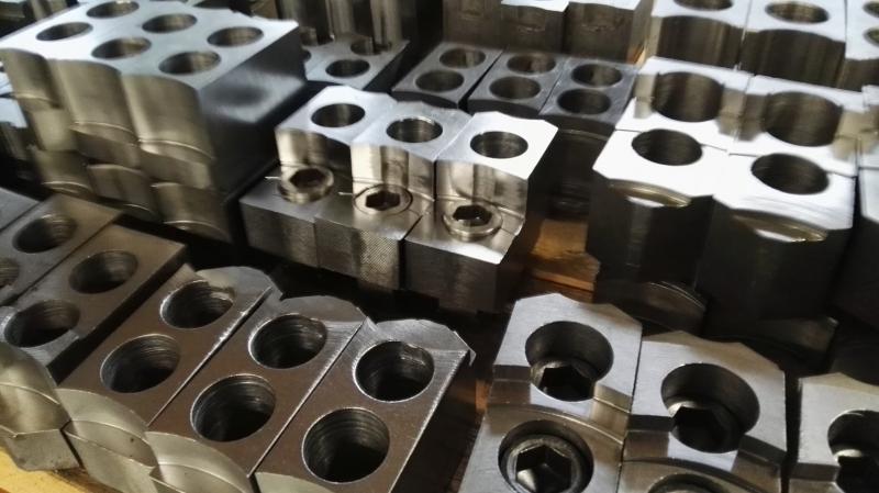 Zakázkové kovoobrábění na CNC strojích