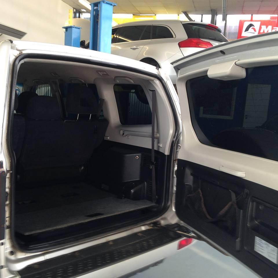 Mokré čištění interiéru vozidla - čištění osobních aut, dodávek, autobusů mokrou cestou