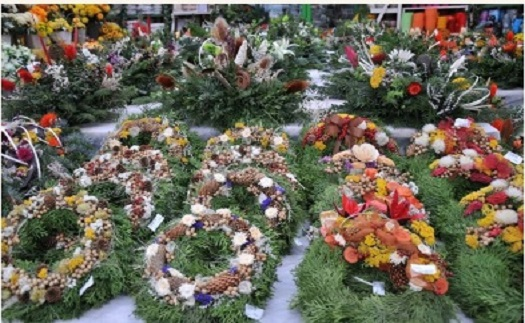 Široký sortiment dárkového zboží a svíček - vonné, čajové, hřbitovní i adventních