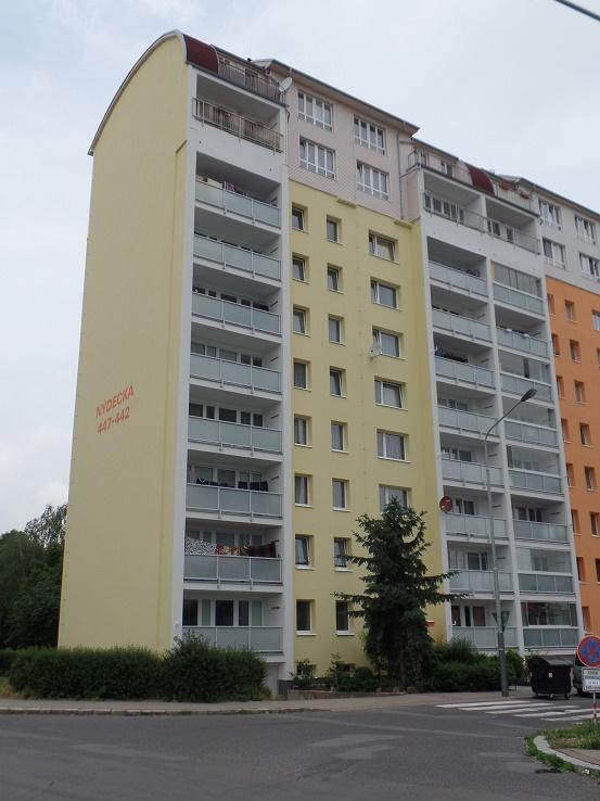 Revitalizace bytových domů na klíč Praha – od výměny oken po izolaci střechy