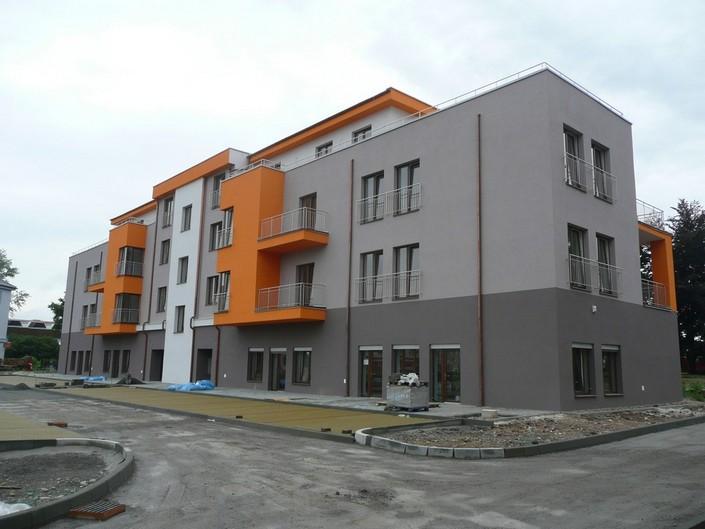 rozvody vytapění v bytovém domě - Uherské Hradiště