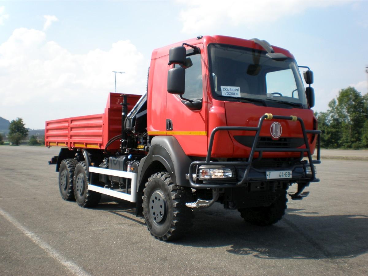 Prodej servis Tatra autojeřáby bagry grejdry nakladače Jičín