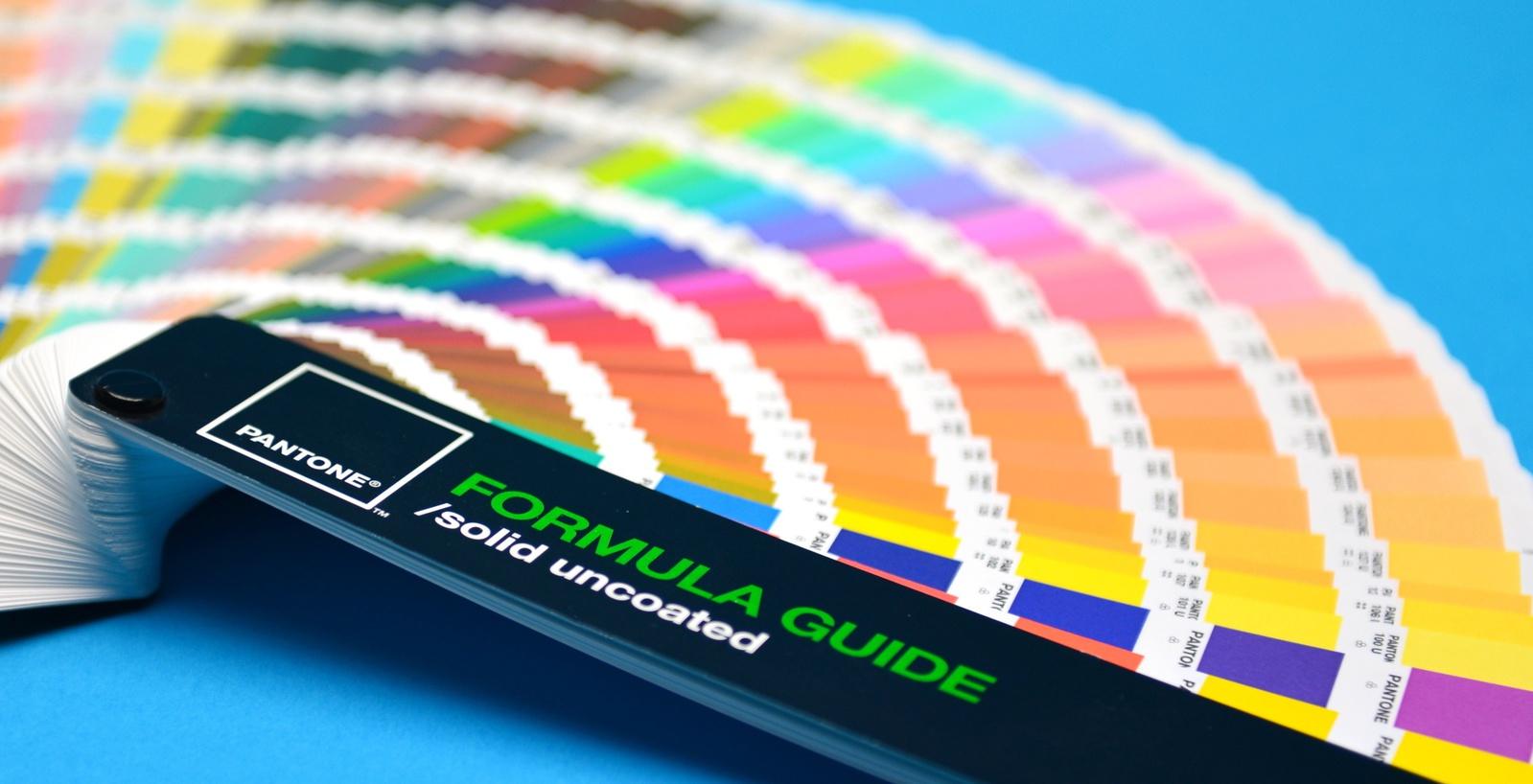 Výroba etiket - široké barevné možnosti