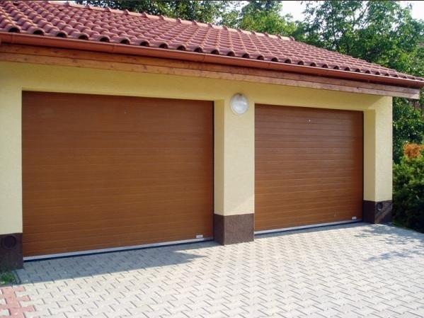 Výsuvná, posuvná sekční garážová vrata Trido - montáž, servis vrat