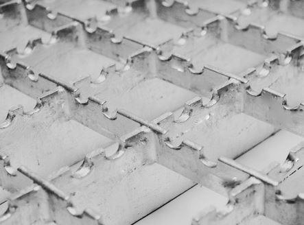 Oceľové podlahové a regálové rošty v Českej republike - ideálne využitie v priemysle