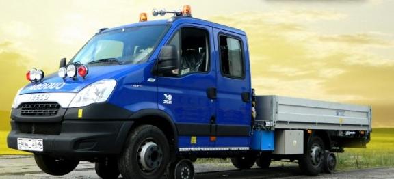 Víceúčelová dvoucestná vozidla, specialista na železniční kolejová vozidla