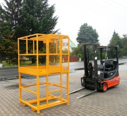 Montážní plošiny - přídavné zařízení pro práci ve výškách na vysokozdvižné vozíky (VZV)