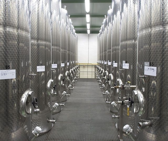 Nerezové nádoby pro vinařství - výroba