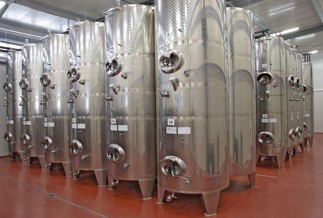 Kvalitního vinařské zařízení -  výroba