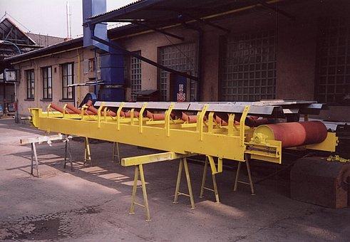 Technologická doprava pásové deskové šnekové dopravníky Chrudim