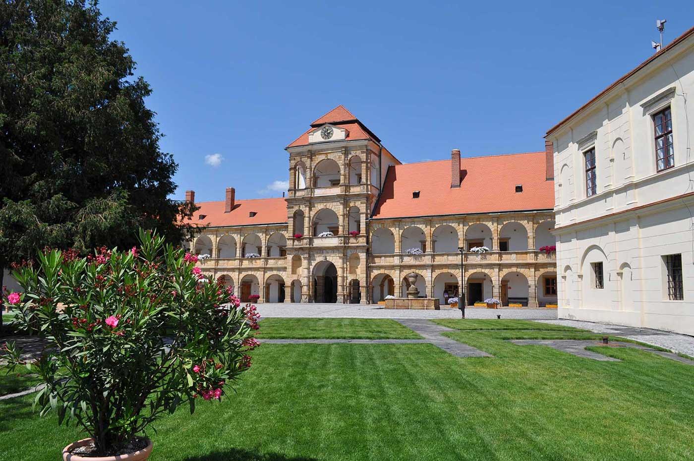 Renesanční zámek ze 13. století