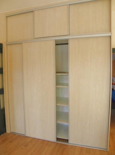 Výroba skříní do ložnice, vestavěných skříní na míru z kvalitního materiálu