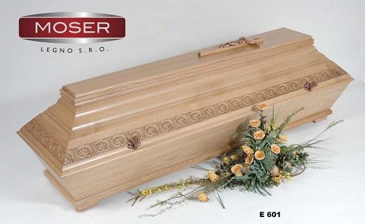 Velký výběr rakví, dubové a dřevěné rakve - široká nabídka celodřevěných rakví k obřadu a do hrobek