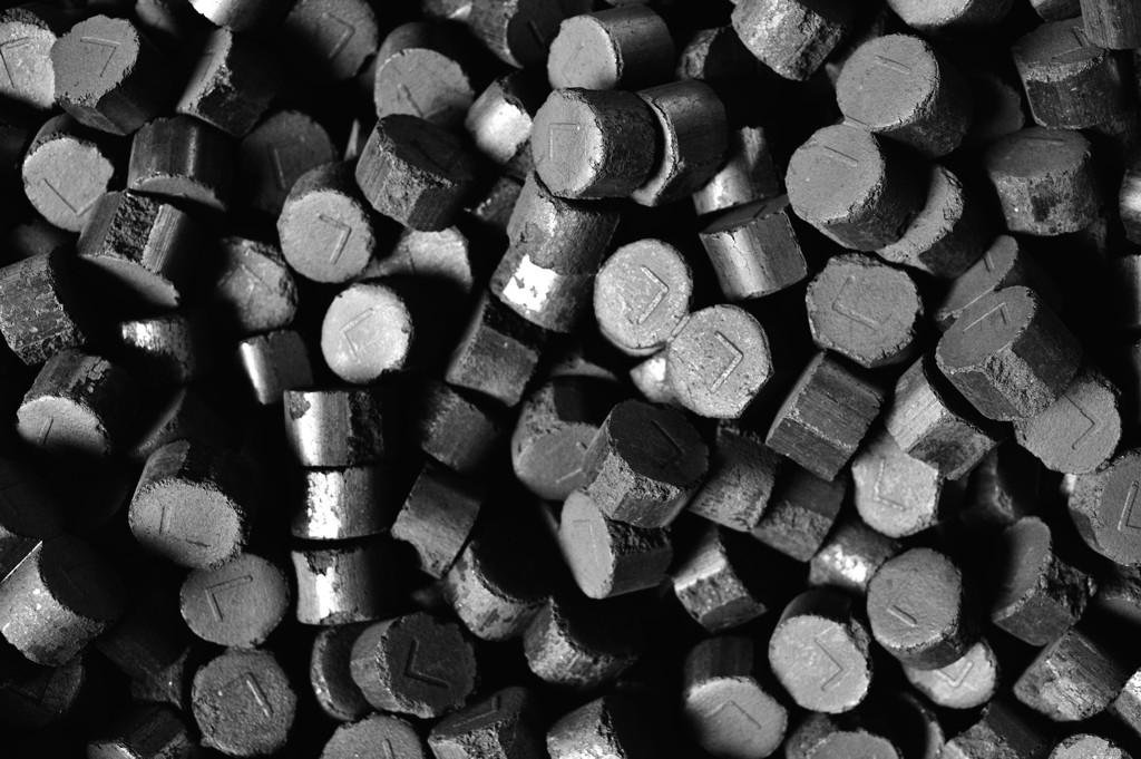 Kvalitní a dlouho hořící německé brikety s vysokou výhřevností - prodej, dodávka