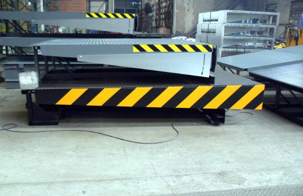 Hydraulické vyrovnávací můstky, rampy a nájezdy pro logistická centra, sklady