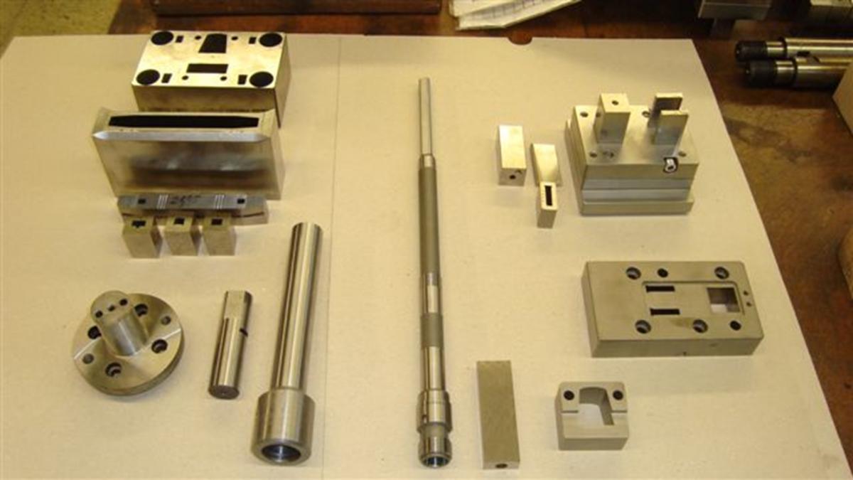 Výroba skřipců, vazačů, hřbetních kroužků, nýtů a dalších produktů