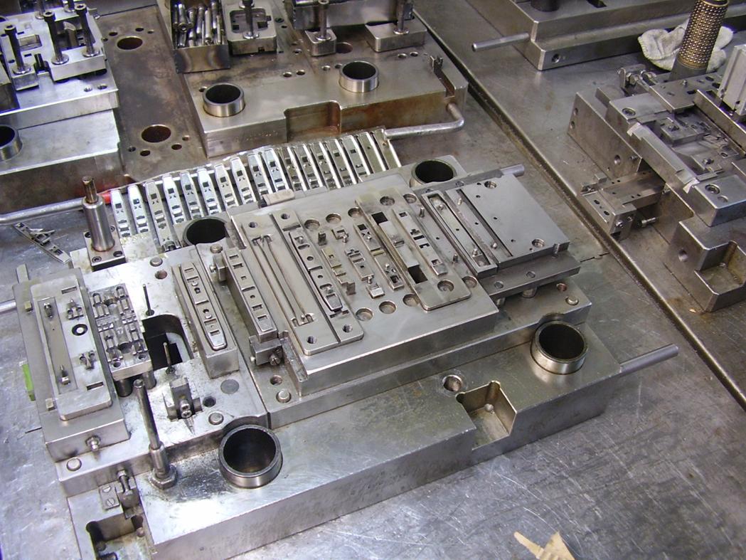 Galvanické pokovování Ni a výroba, konstrukce víceúčelových strojů