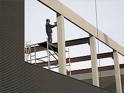 Zateplení, zastřešení a prosvětlení průmyslových hal a budov, montáž ocelových konstrukcí