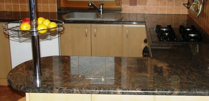 Odolné kuchyňské desky z kamene - kamenné pracovní desky od spolehlivého opavského kamenictví