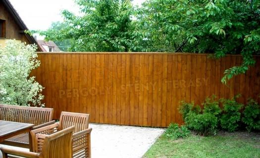 Dřevěné stěny s povrchovou úpravou