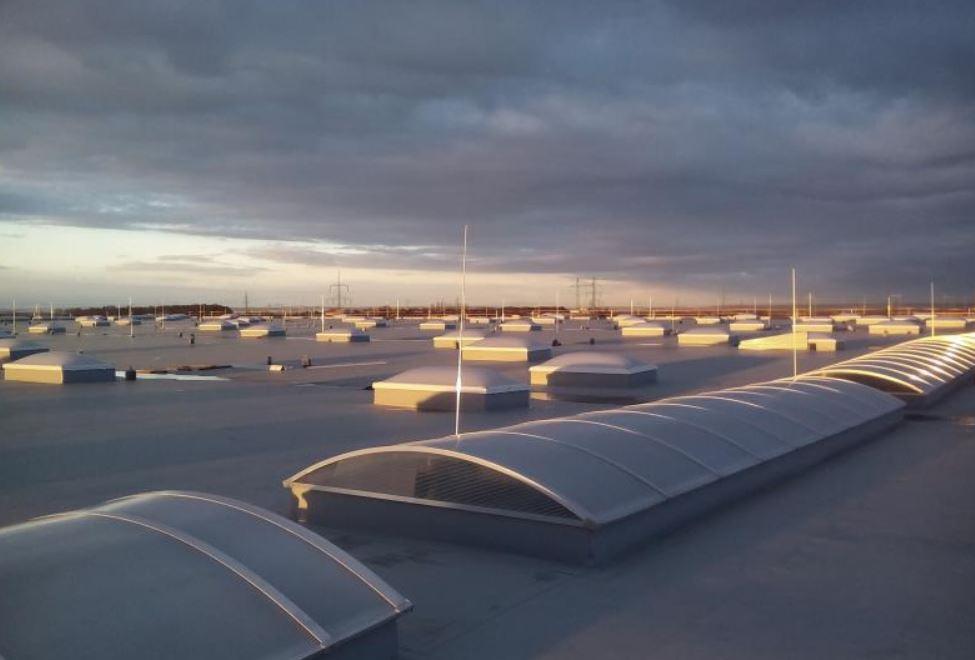 Izolace, hydroizolace plochých střech, teras, bazénů, jezírek, střešních zahrad, montáže