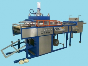 Termoformovací stroje na plastové obaly pro potravinářský průmysl, čokoládovny, zakázková výroba