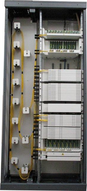 OpteaStar 2+ stojan pro datová centra a sály