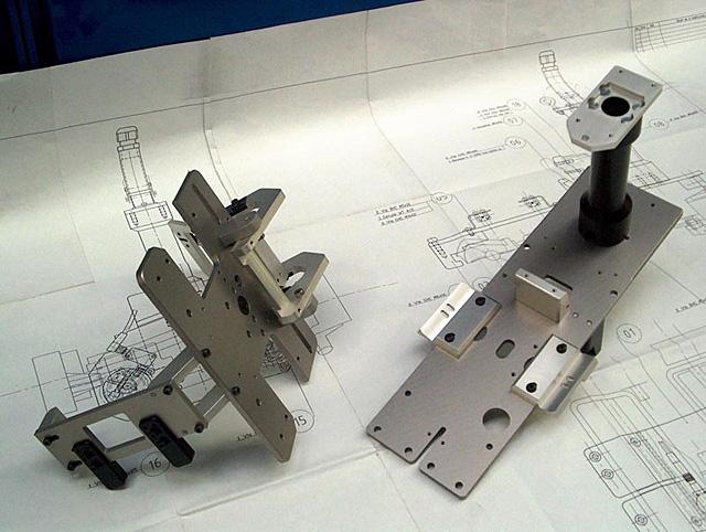 Konstrukce mechanických dílů, elektroprojekce a vývoj softwaru