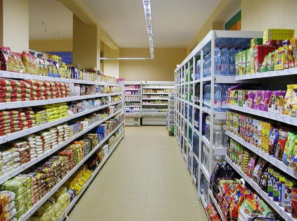 Potraviny, alkoholické a nealkoholické nápoje, tabákové výrobky
