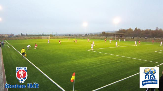 Stavba tenisových kurtů, fotbalových stadionů, atletických areálů