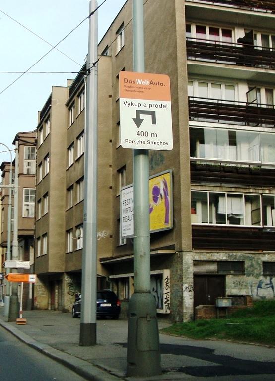 Navigační systémy v rámci celé ČR – reklamní panely se směrovkou