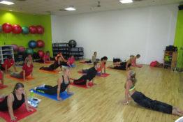 Fitness lekce intervalového tréninku Tabata pro muže a ženy