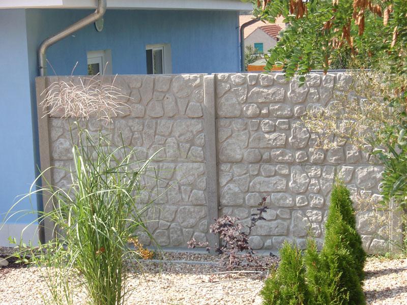 Levné kvalitní betonové ploty - návrh a montáž betonového oplocení