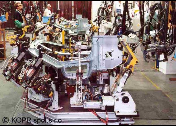 Zakázková činnost v automobilovém průmyslu – od projektu po výrobu a zaškolení