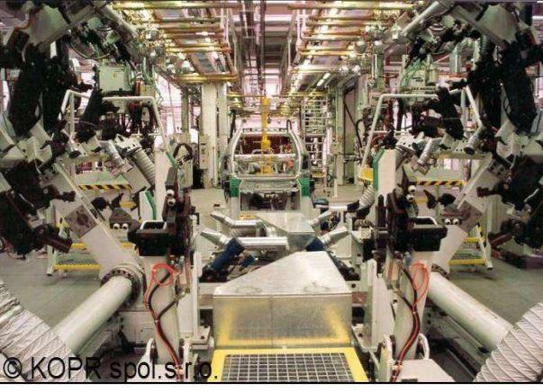 Zakázková činnost - projekty, výroba, zaškolení strojů pro automobilový průmysl